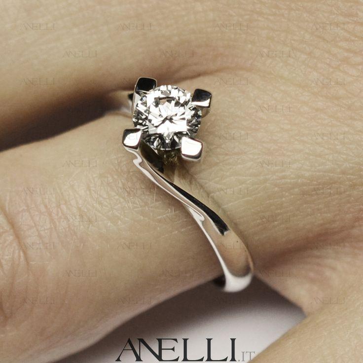 """#Fidanzamento Il """"Principe"""" del fidanzamento: L'anello solitario modello Valentino con diamante taglio Brillante.. #Solitario #SolitarioValentino #AnelliFidanzamento #AnelliMatrimonio #Anello www.anelli.it"""
