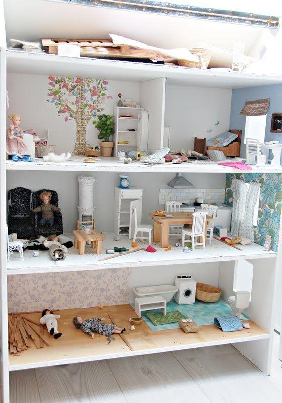 Dollhouse: Little Girls, Bookshelf Dollhouses Diy, Diy Dollhouses Ideas, Dollhouses Bookshelf, Dollhouses Miniatures Ideas, Dolls For Dollhouses, Girls Rooms, Old Books, Dolls Houses Bookshelf