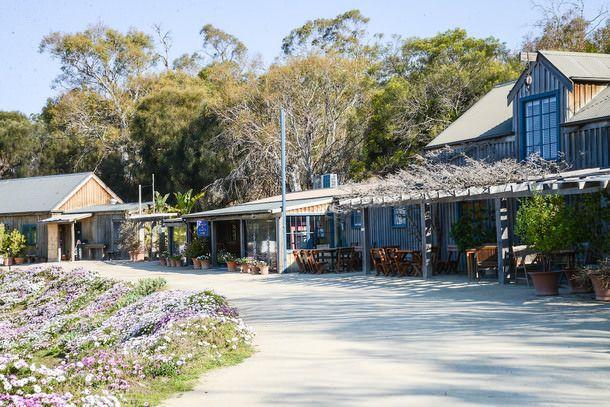Discovering Tasmania: Kate's Berry Farm, Palate at Saffire Freycinet, Freycinet Lodge, Freycinet National Park and Freycinet Marine Farm (Th...