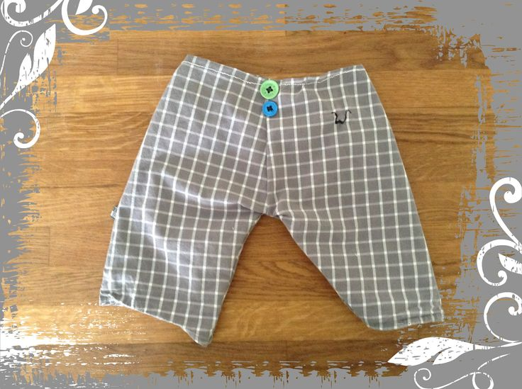 Broekje voor de zoon van een oud hemd van tom - babypants for the boy made from old shirt from his daddy