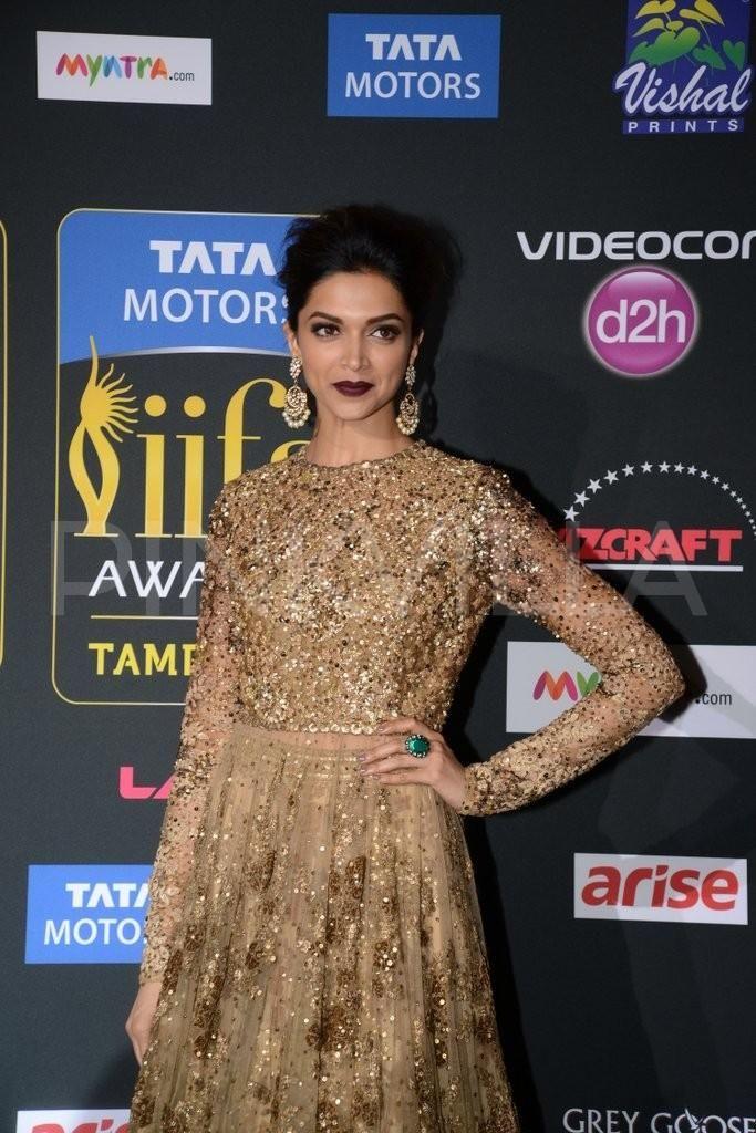Deepika Padukone at the  IIFA Magic of the Movies  4