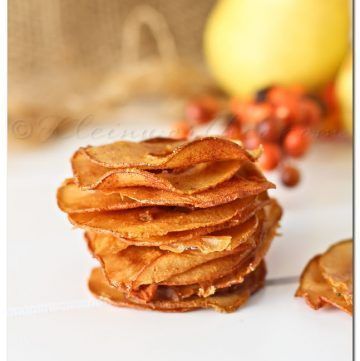 Cinnamon Pear Chips, pear recipes, apple chips recipe, pears recipe, recipes for pears, easy dessert recipes, caramelized pears