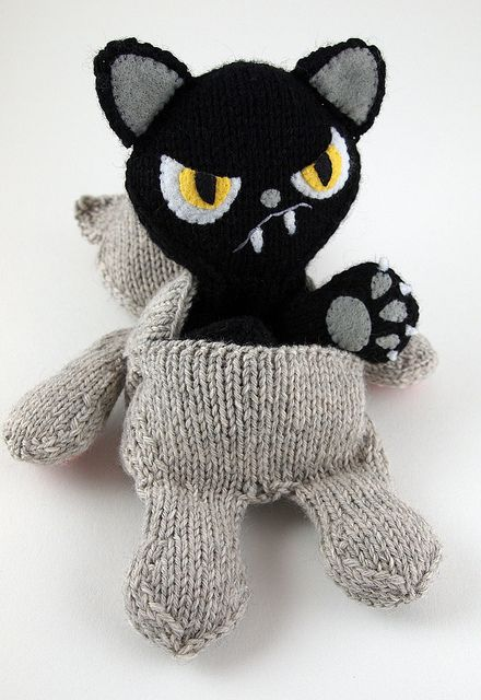 Great take on the good kitty/bad kitty idea!    by caffaknitted on Flickr