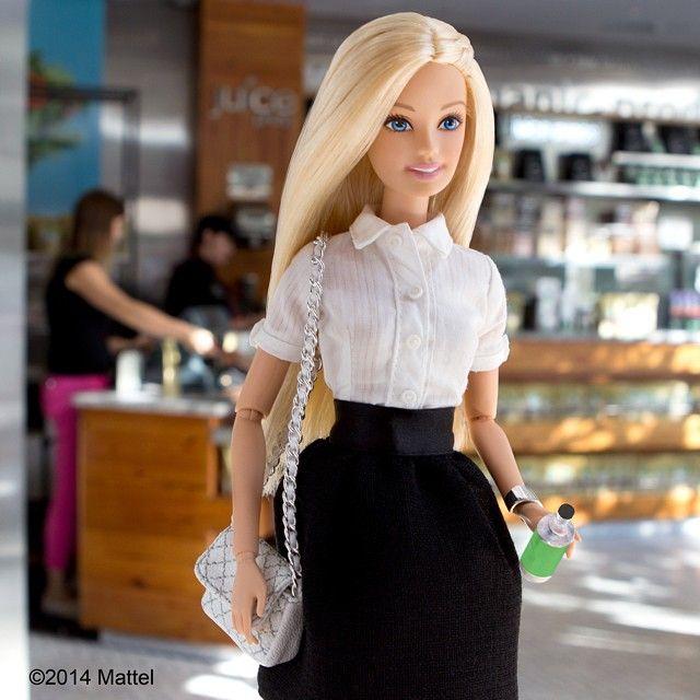 "It Girl? Barbie tem perfil no Instagram para compartilhar ""Look do Dia"" - Revista Todateen"