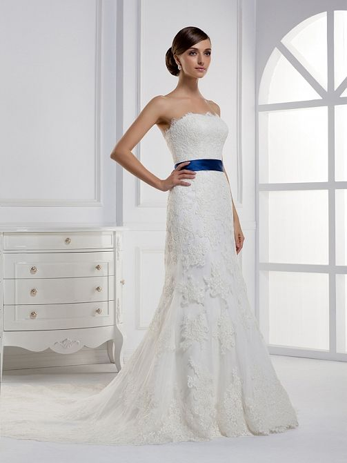 Pretty Sleeveless with Dropped waist wedding dress – I would like it better with