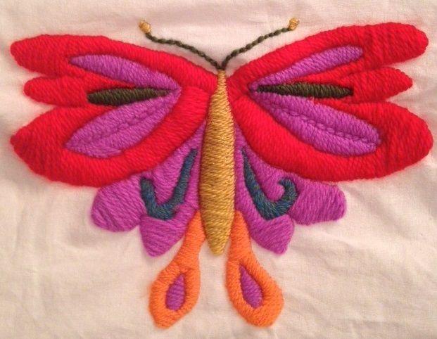 Bordado mariposa y virgen Guadalupe