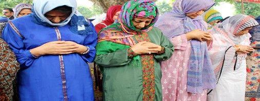 Chief Minister Mehbooba Mufti offering Eid prayers at Hazratbal shrine in Srinagar on Wednesday. Excelsior/Shakeel
