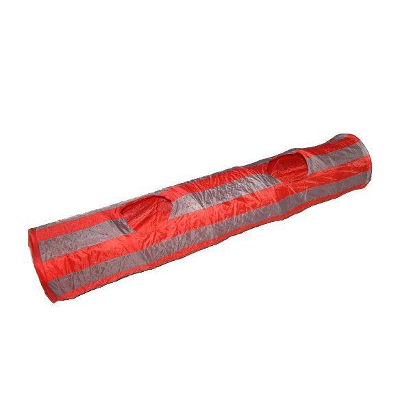 Un grand tunnel pour chat rouge et gris de 130 cm de longueur pour exciter le félin ! Ce tunnel possède plusieurs ouvertures ainsi qu'une balle pour encore plus de jeu pour le chat !  #tunnel #chat #jouet #félin #balle #animalerie