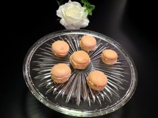 Rose flavoured macarons