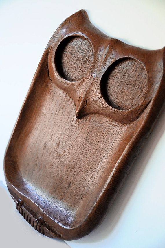 owl tray, wood, carved, snack tray, serving tray, mod, retro, 1960s, 1970s, dresser tray, office, kitsch, retro office, vintage kitchen.. Yes! We need these