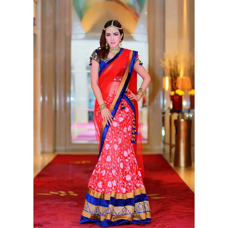 she wearing indian ethnic, look beautifull right?