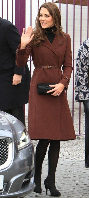 Kate looking gorgeous in Liverpool on Valentine's DayAutumn Fashion, Valentine'S Day, Duchess Of Cambridge, The Duchess, Style Icons, Brown Coats, Kate Middleton, Fall Fashion, Cambridgel K Middleton