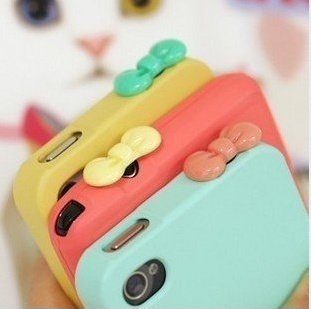 Hello kitty bow charms for your headphone jack. Cute accessory for any phone or device.