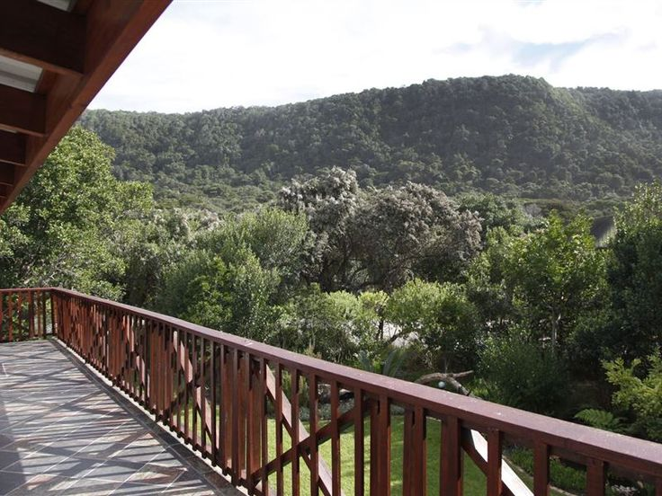 Kamma-otter - Set within the lush beauty of Natures Valley, Kamma-otter offers an idyllic setting for a tranquil getaway.  It is a great option for small groups visiting this scenic part of the Garden Route.  This self-contained ... #weekendgetaways #naturesvalley #southafrica