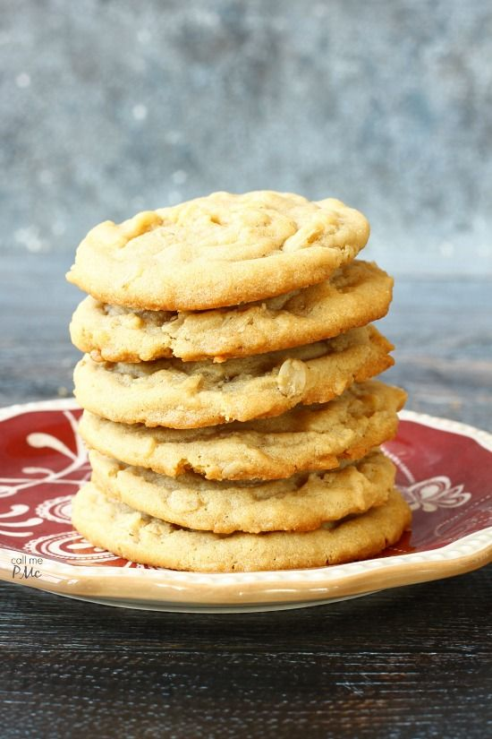 Easy Peanut Butter Oatmeal Cookie Recipe are perfectly soft and gooey in the center with crisp, chewy edges. A simple recipe that I love to bake and eat!