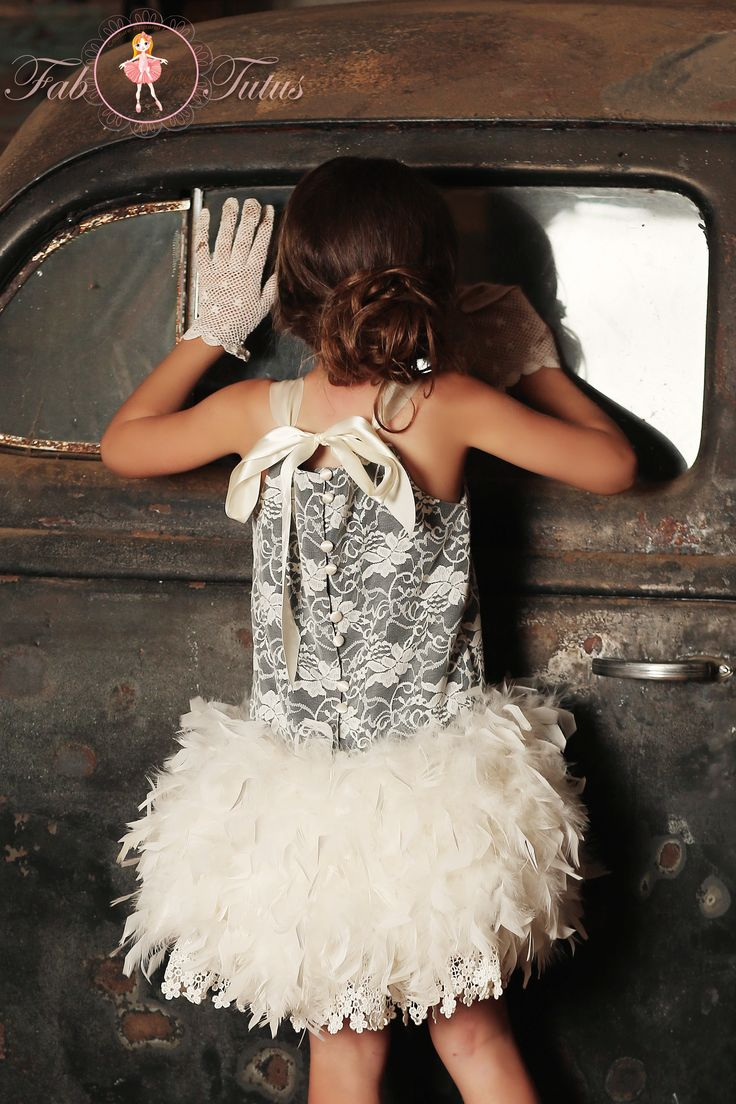 "20-ies inspired wedding - Great Gatsby style - ""Virginia"" dress in ivory and black - ""Flapper Girls"" Collection"