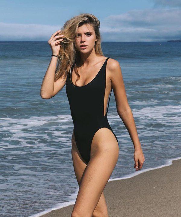 alissa violet height weight and body measurements the instagram star is 5 feet 9 inch or 175 cm. Black Bedroom Furniture Sets. Home Design Ideas