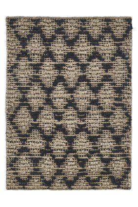 Mooie deurmat van House Doctor in zwart en naturel jute, voorzien van antislip achterzijde. Hippe deurmatten shop je hier online!