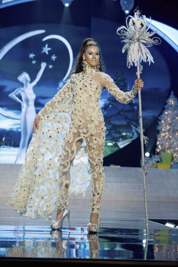 I don't really understand these Miss Universe costumes (this is Aruba).