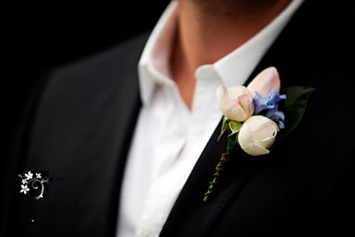 Wedding flowers submitted by Rachel Marshall of Mondo Floral Designs, Maleny, QLD