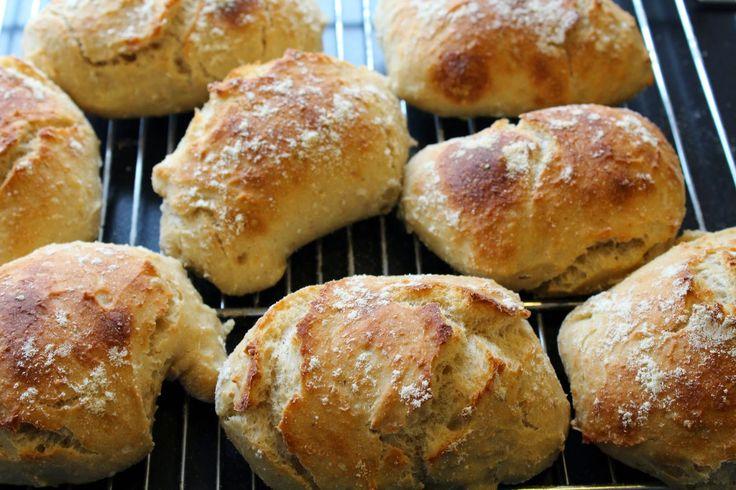 Ager bager: Hurtige surdejsstykker med havregryn og lidt om surdej