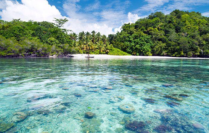 Information, prices, photos and reviews of Boryomggung Homestay, traditional Papuan accommodation at Pulau Birie, Batanta in West Papua's Raja Ampat islands