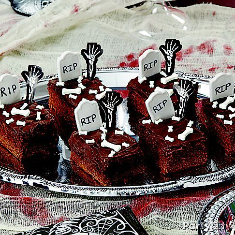 High five for graveyard goodies! Bake up a batch of your favorite brownies & then click through to our High-Five skeleton brownies how-to!