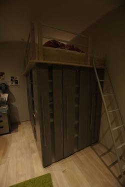 ber ideen zu hochbett mit schrank auf pinterest hochbetten schrank selber bauen und. Black Bedroom Furniture Sets. Home Design Ideas