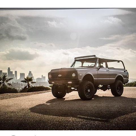 Beautiful @timsuttonphoto of @travisbarker #ls #k5 #blazer built by @delmospeed…