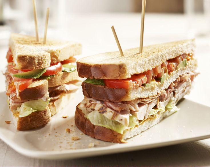 Clubsandwich BLT http://www.brood.net/recepten/vlees/clubsandwich-blt
