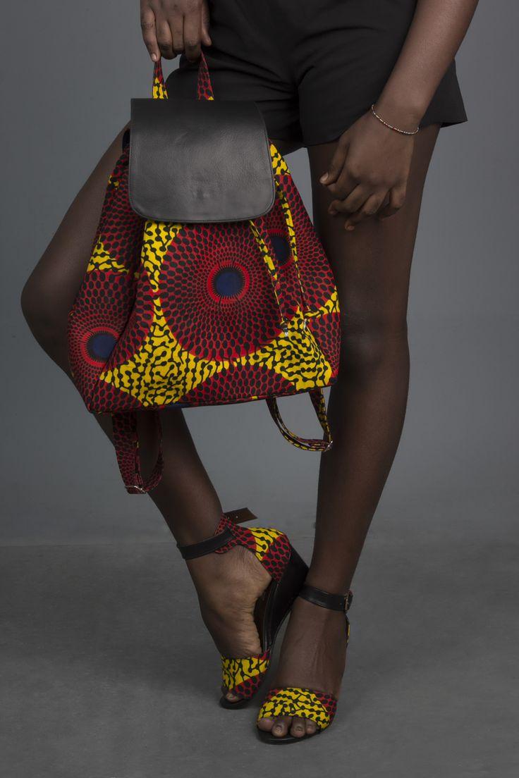 Sac à dos en similicuir et wax multicolore par Dyange pour Afrikrea. https://www.afrikrea.com/article/sac-a-dos-sacs-a-dos-cartables-multicolore-similicuir-wax/Z1NCHY4?utm_content=bufferc6072&utm_medium=social&utm_source=pinterest.com&utm_campaign=buffer