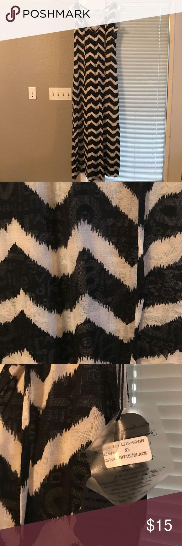 Black & White Chevron Print Maxi Dress XL Maxi Dress chevron black and white. Brand New with Tags Chevron print as letters on the fabric Dresses Maxi
