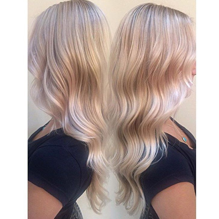 subtle dimensional blonde with wavy finish