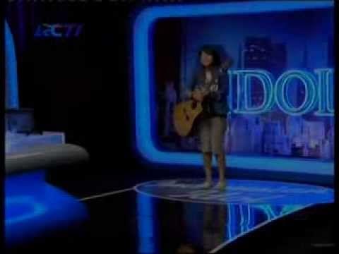 Riska Afrillia Jadi Rebutan Juri Indonesia Idol 2014 Best Audisi Bandung YouTube - YouTube