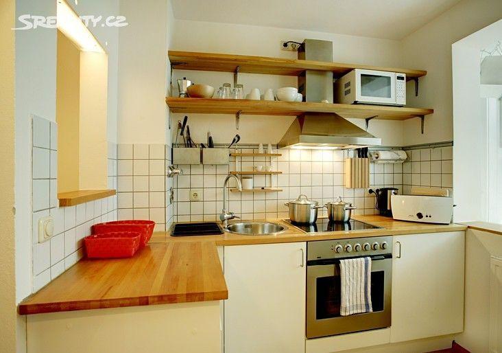 Byt 2+kk 65 m² k pronájmu 17. listopadu, Mladá Boleslav - Mladá Boleslav II; 5000 Kč za měsíc, cihlová stavba, osobní vlastnictví, ve velmi dobrém stavu.