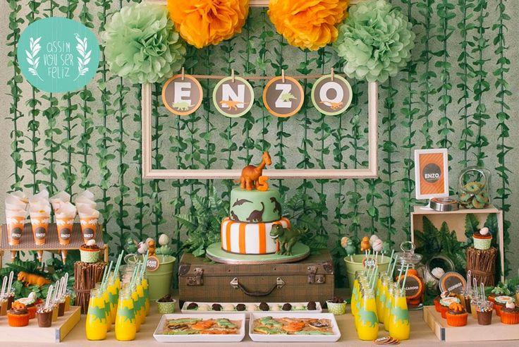 Festa dinossauros Cake design and sweets by Milene Habib