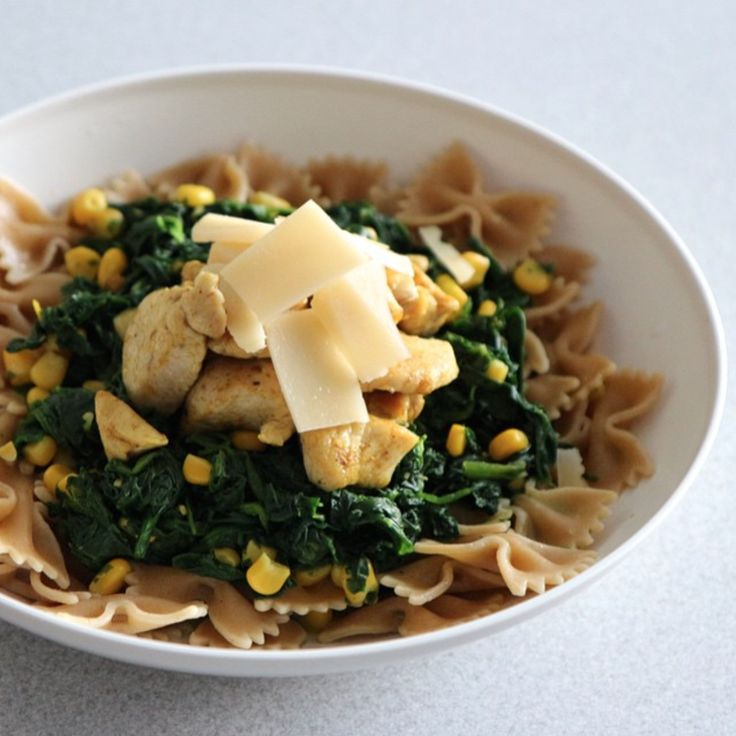 Sunday Lunch. Pasta with spinach, corn, curry chicken and parmesan.