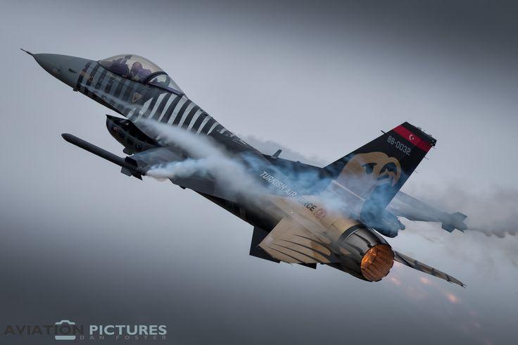 https://flic.kr/p/WTUsCc | Lockheed Martin F-16C Fighting Falcon | Turkish Air Force 'SOLOTURK' 141 Filo