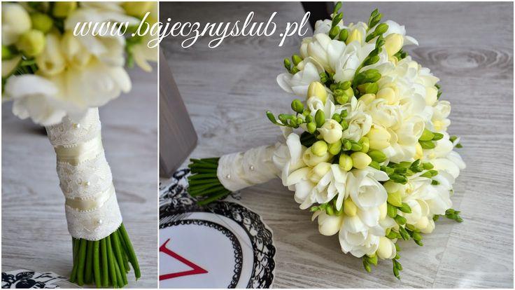 bukiety+ślubne+z+frezji+bukiet+ślubny+wiazanka+Świdnica+kwiaciarnia+dekoracje+sal+bajeczny+ślub+bukiety+romantyczne++koronkowy+motyw+wesela++romantyczny+bukiet+ślubny.jpg (1600×900)