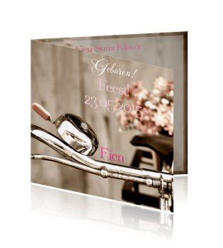 Retro geboortekaartje in roze voor een meisje met een fiets. De leukste kaart maak je zelf!