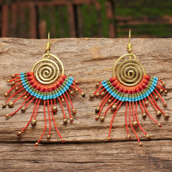 Tribal earrings in waxed cotton and shaped brass por cafeandshiraz
