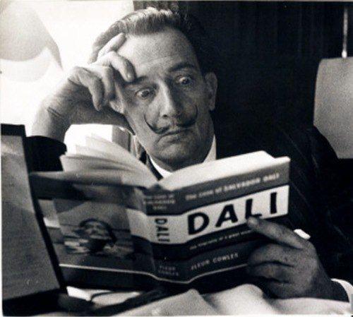 Сальвадор Дали — испанский живописец, график, скульптор, режиссёр, писатель. Один из самых известных представителей сюрреализма.