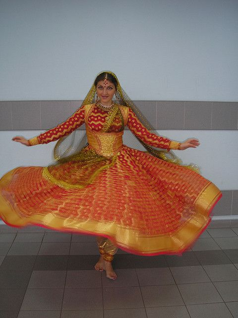 Kathak dress by MAYURI DANCE GROUP, via Flickr