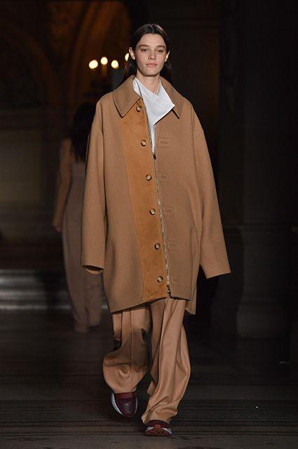 Неделя моды в Париже: Наталья Водянова, Памела Андерсон, Шарлотта Казираги и Сальма Хайек на показе Stella McCartney | СПЛЕТНИК