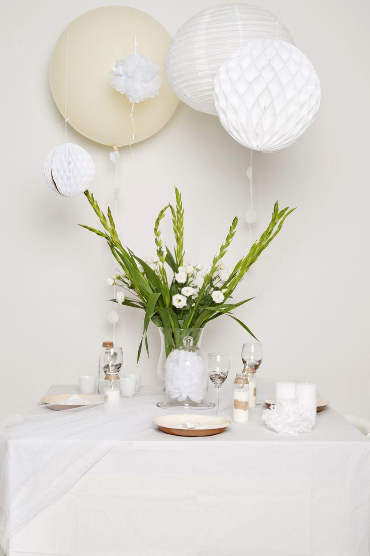 Onze eigen fotoshoot voor trouwerij thema's. Prachtige, witte of ivoren XXL ballon.