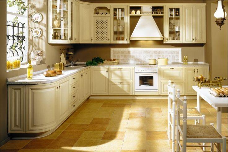 Пол из плитки в интерьере классической кухни