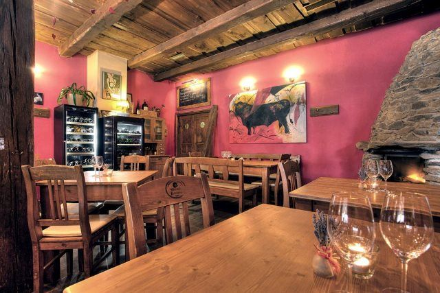 The Best Czech Food Restaurants Outside of Prague: Angusfarm Sobesuky (Photo)