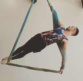 #Artemis - an original pose by @shawzall12 - made even better by the Lightning Cat tank #airfitlincolnpark #airfit #airfitchicago #airchicago #airfitnow #aerial #aerialyoga #aerialfitness #aerialsilks #aerialnation #aerialsling #aeriallove #aerialhammock  http://healthyquickly.com