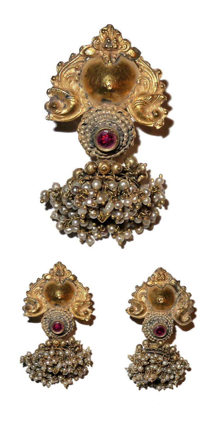 India | Tamil Nadu earrings; 22k gold, rubies, Basra pearls | ca. 19th century | 5'200$
