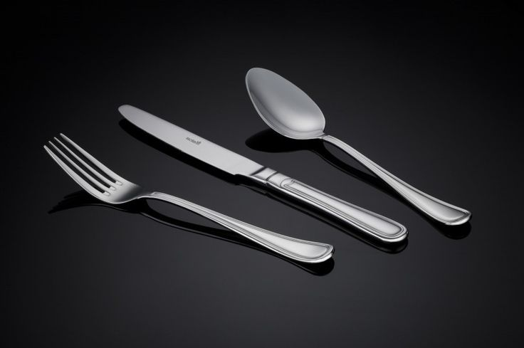 Sola Windsor cutlery offers a wonderful contrast between modern and classic. Similarly, the cutlery is both perfect for a modern table setting at a chic dinner party or a classic family banquet at Christmas. Timeless and elegant as well as functional. Buy now and receive free shipping on all our Sola products.